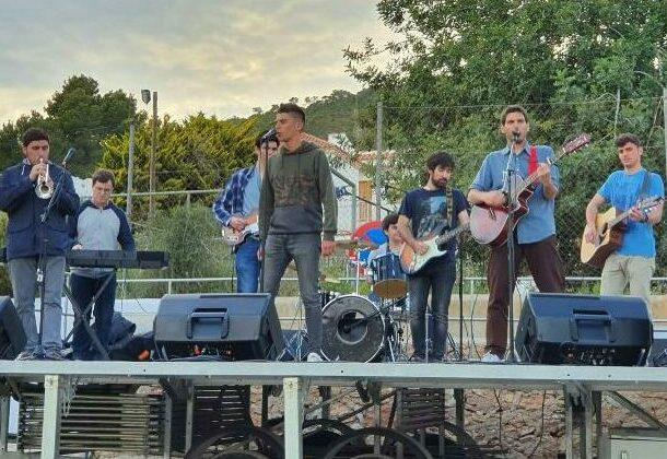 """Visita del Grupo Musical """"OLEAJE"""" a nuestras islas"""